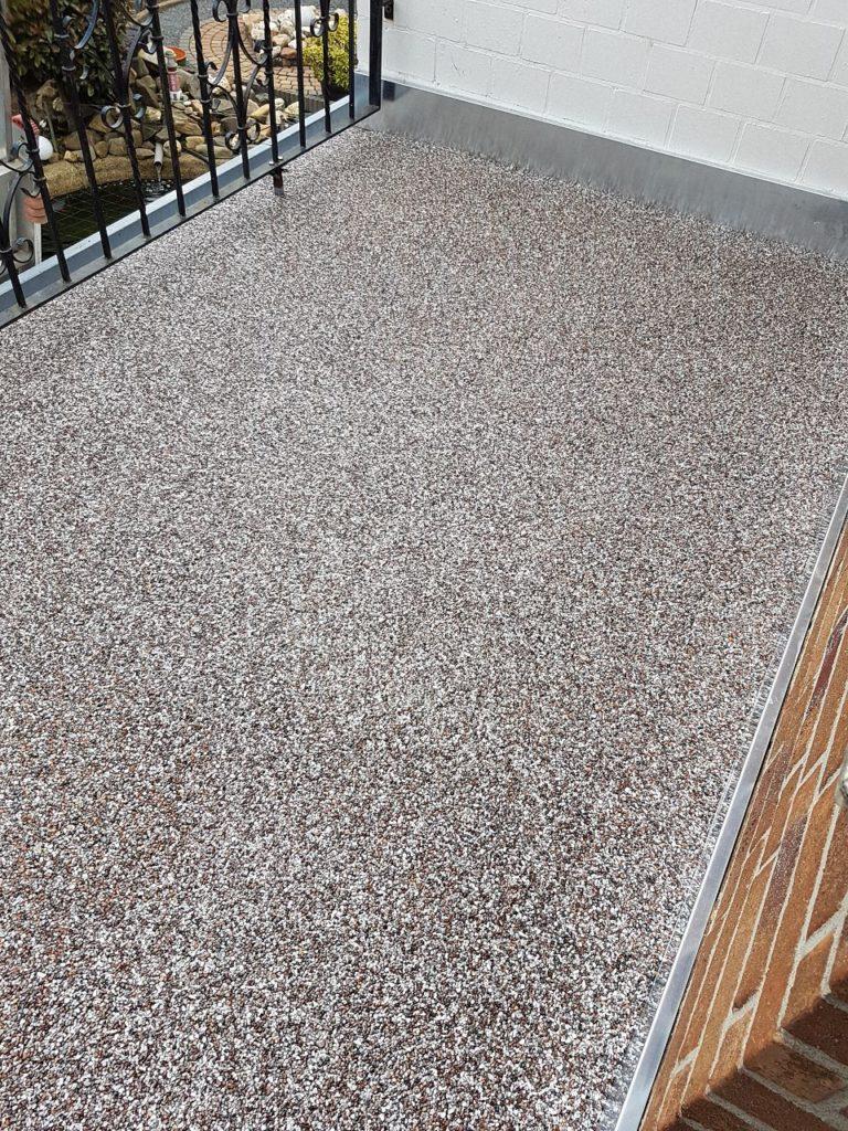 Balkonsanierung mit Steinteppich Bild 9
