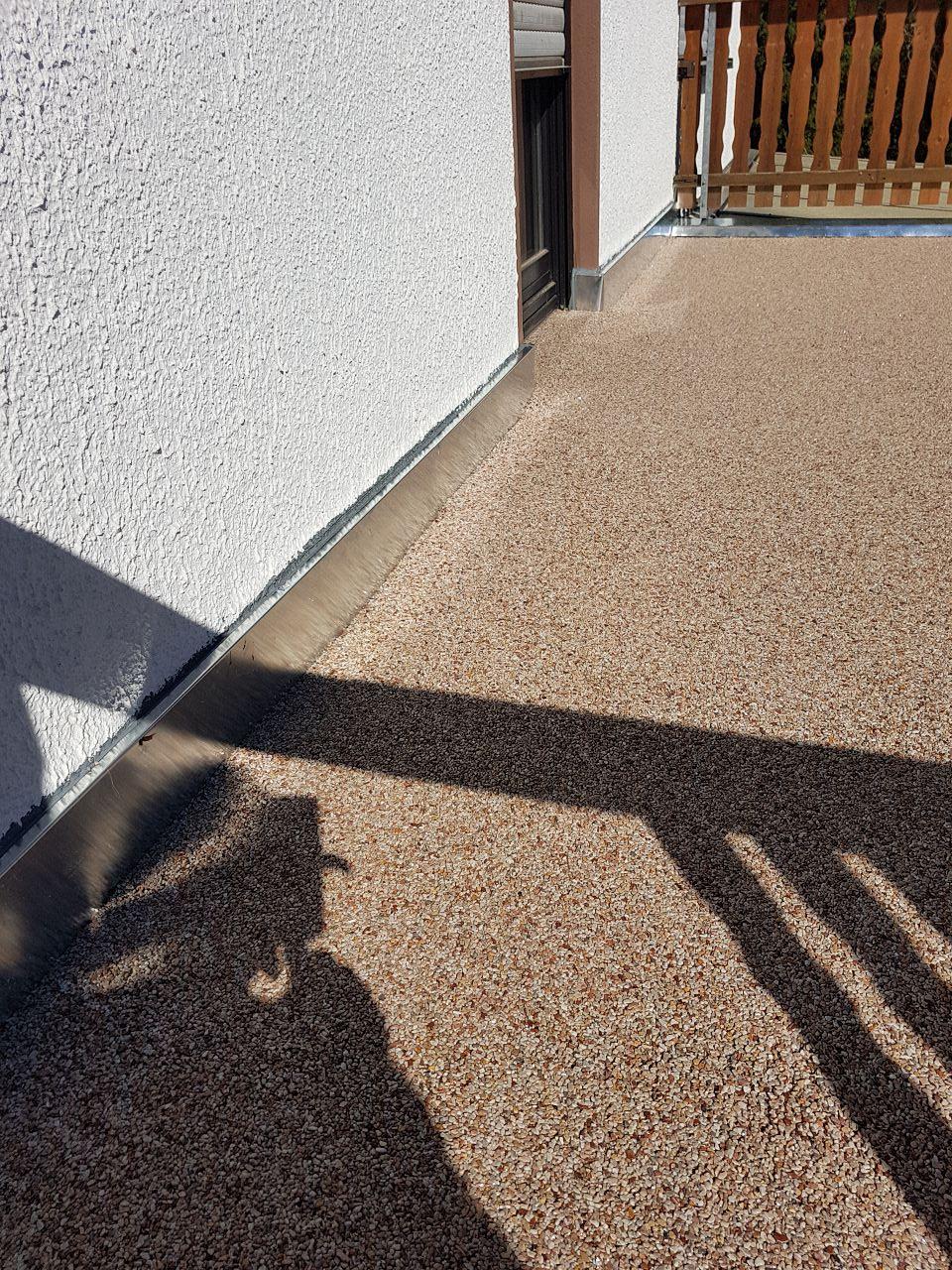 Balkonsanierung mit Steinteppich Bild 3