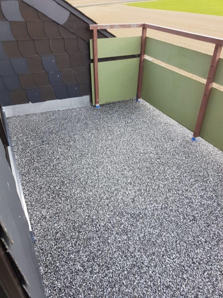 Balkonsanierung mit Steinteppich Bild 1