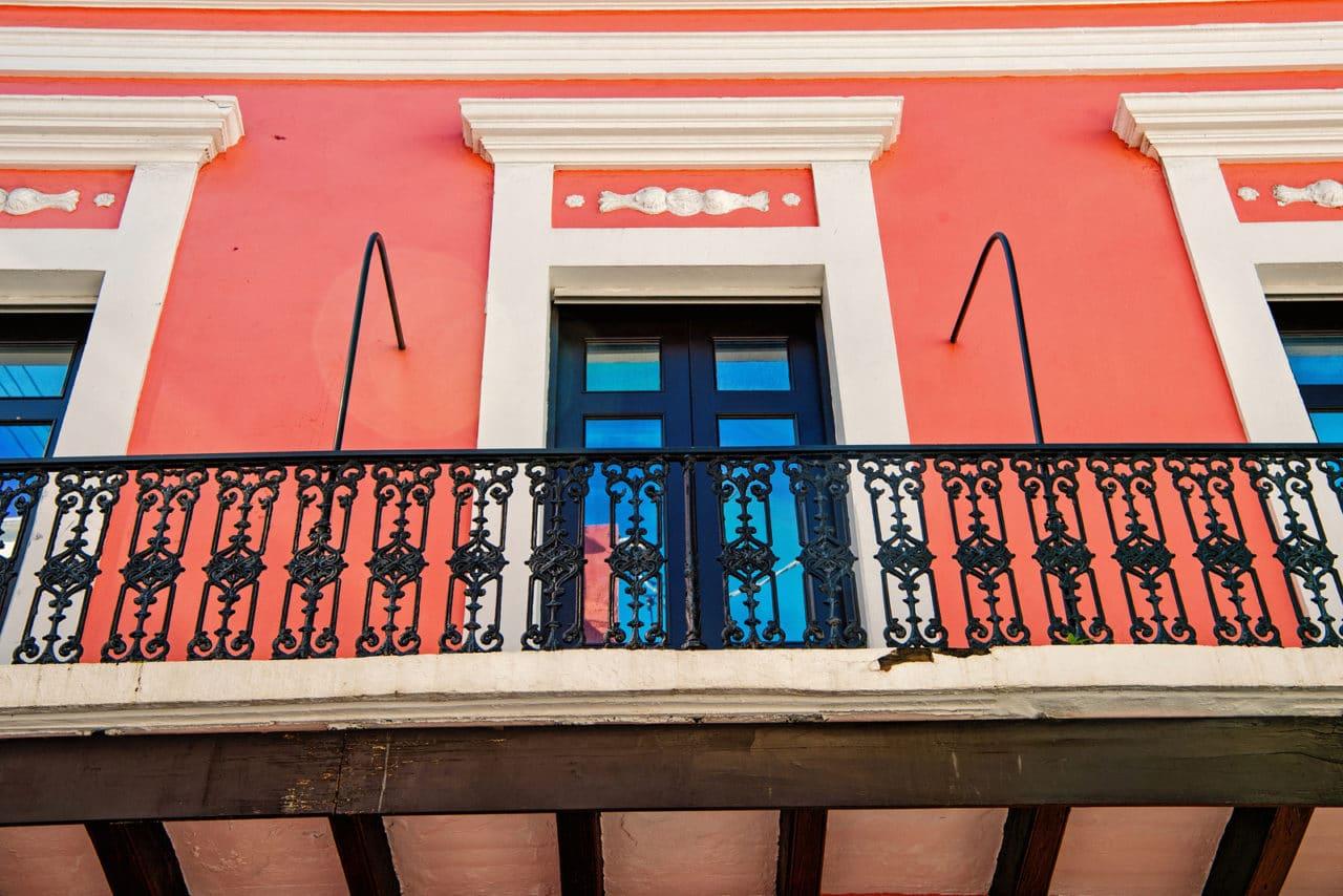 Beschichteter und abgedichteter Balkon